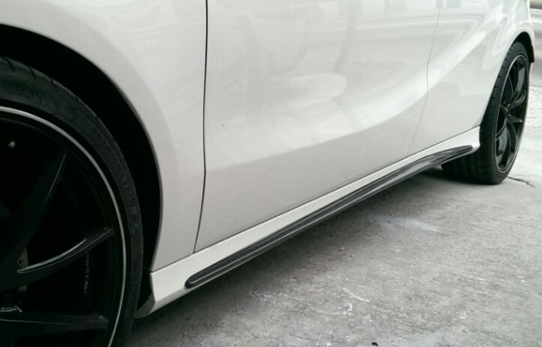 A Class W176 AMG Style Side Skirt Addon